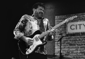 Tab Benoit keeps rockin' with five strings (click to enlarge)