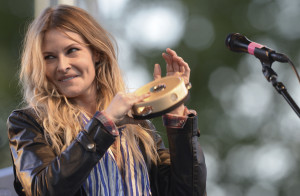 Elizabeth Cook at Ferdiand Folk Festival (click photo to enlarge)